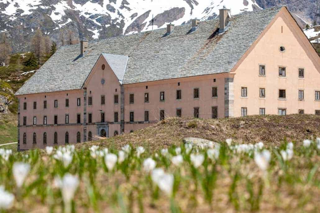 Hospiz Simplon Frühling Hospice Sempione