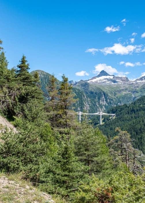 Der Talweg Ganter wurde zusammen mit dem Stockalperweg restauriert. Er führt Sie an sonniger Lage abwechslungsreich durch Geschichte, Gegenwart und Pflanzenwelt durch das Gantertal.